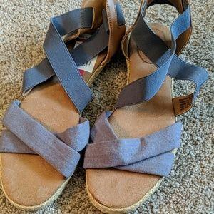 Giani Bernini smokey blue sandals.